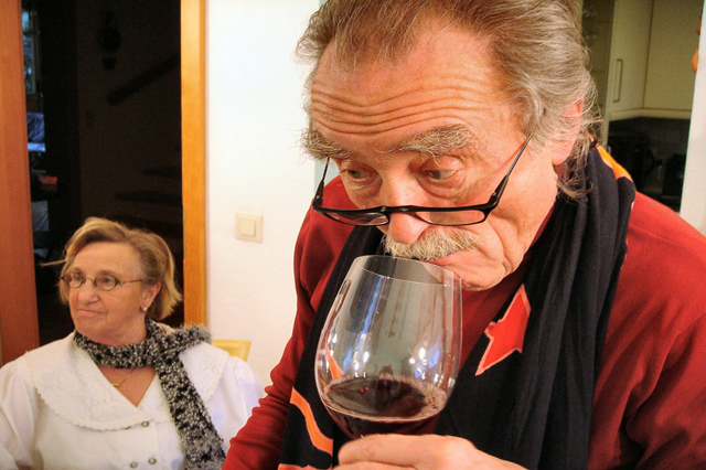 Professional Steps For Wine Tasting